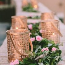 gold-candle-holders-and-garland-wedding-table-decor